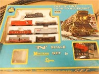AHM N Gauge Mini Train Set, Power Pack