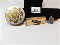 Compact, Double Locket, Toothbrush Holder