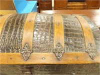 Rounded Top Trunk, casters