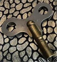 62 - FERNKAUESTATIE TABLE CLOCK