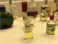 62 - LOT OF PERFUME COLLECTOR BOTTLES