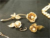 Rose Brooch w/Pearl Like Stones