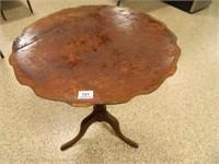 Round Table w/3 Legs