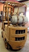 Caterpillar T30B Forklift (view 4)