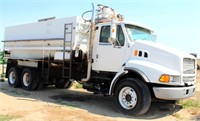 Ford Louisville TK w/Mixer-Feeder Box and Auger