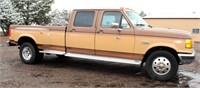 1988 Ford F-350 XLT Lariat, 1-ton, 7.3 liter diesel eng, auto trans, duals, 2WD, 4-dr, dual tanks, running boards, 86,879 act mi, great cond for its age, has title.   NOTE: This item will be sold at live auction, however absentee bids can be placed if you are unable to attend the auction. More details, video & pictures can be viewed by clicking the catalog tab and view Lot #17.  2- Videos available!