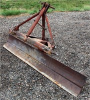 Rear Blade, 6', 3-pt.  NOTE: This item will be sold at live auction, however absentee bids can be placed if you are unable to attend the auction. More details & pictures can be viewed by clicking the catalog tab and view Lot #19