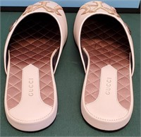 950.00$ BEAUTIFUL NY GUCCI SLIPPERS SIZE 8B