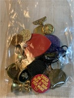 BAG OF MISC COSTUME JEWELRY