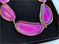 LARGE PINK AGATE NECKLACE