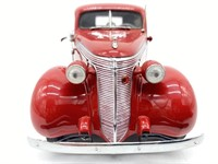 1937 Studebaker Coupe-Express P-up Die Cast Replic