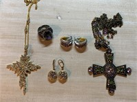 LOT OF MISC COSTUME JEWELRY