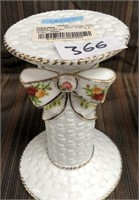 366 - ROYAL ALBERT OLD COUNTRY ROSES CANDLEHOLDERS