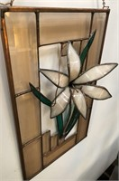 366 - GORGEOUS STAINGLASS FLOWER WALL DECOR