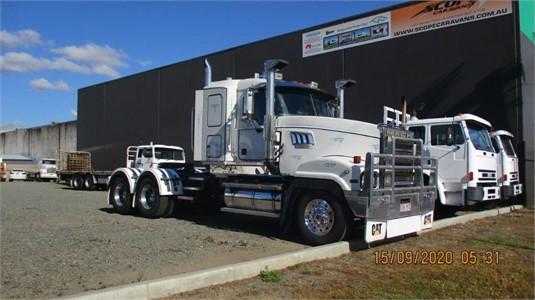 2005 Mack Super Liner - Trucks for Sale