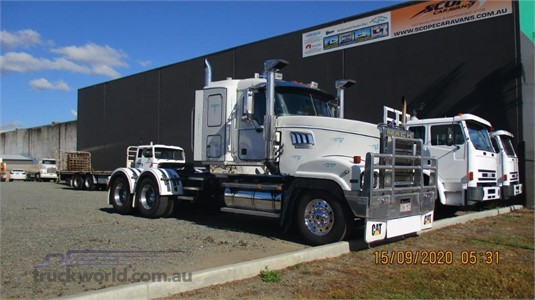 2005 Mack Super Liner - Trucks for Sale