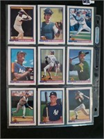 Lot of 18 Collectible Baseball Cards