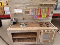 Childern's Outdoor Mud Kitchen