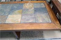 714 - NICE COFFEE TABLE & END TABLE SET