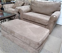 45 - NICE SLEEPER CHAIR WITH OTTOMAN