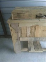 Pallet Wood Drink Cooler