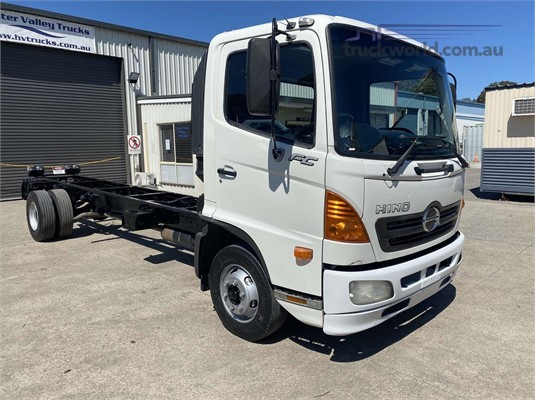 2006 Hino FC - Trucks for Sale