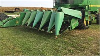 John Deere 693 6 Row Corn Head