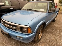 1996 Chevy S10 Pickup, gas