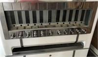47 - CIGARETTE MACHINE
