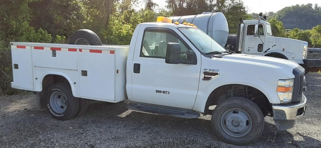TRUCK 1 TON & ABOVE UTILITY 4WD