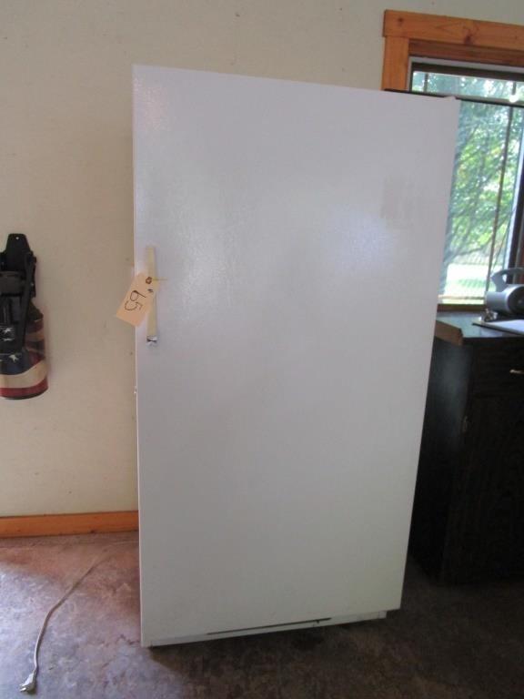 Amana upright freezer