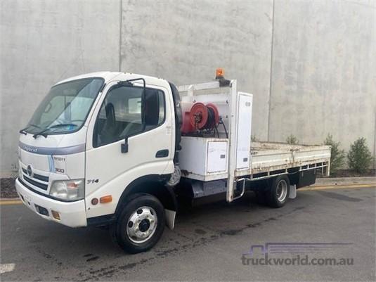 2009 Hino 300 714 - Trucks for Sale