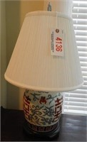 Lot # 4136 - Chinese export table lamp with