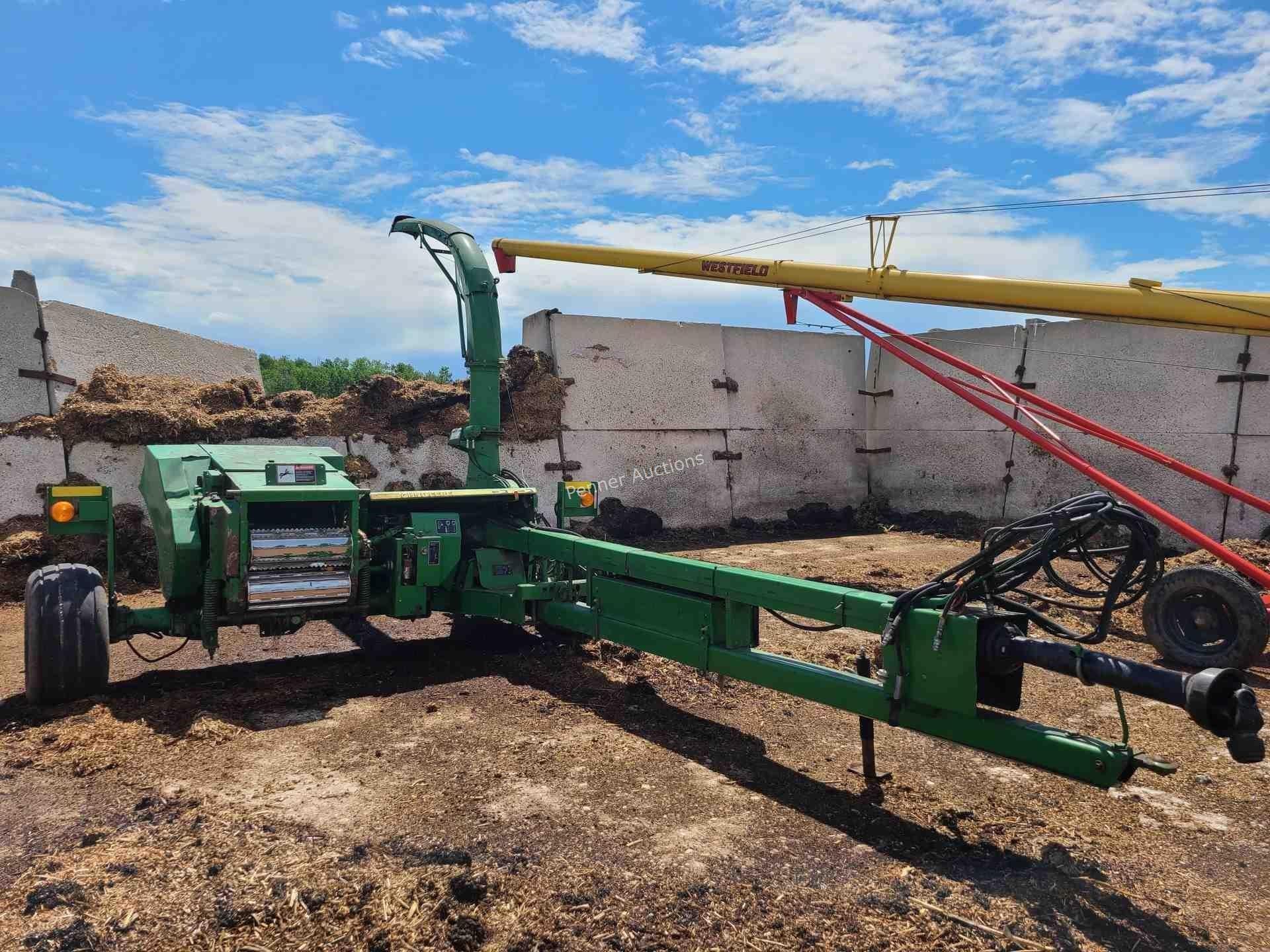 John Deere 3975 Forage Harvester