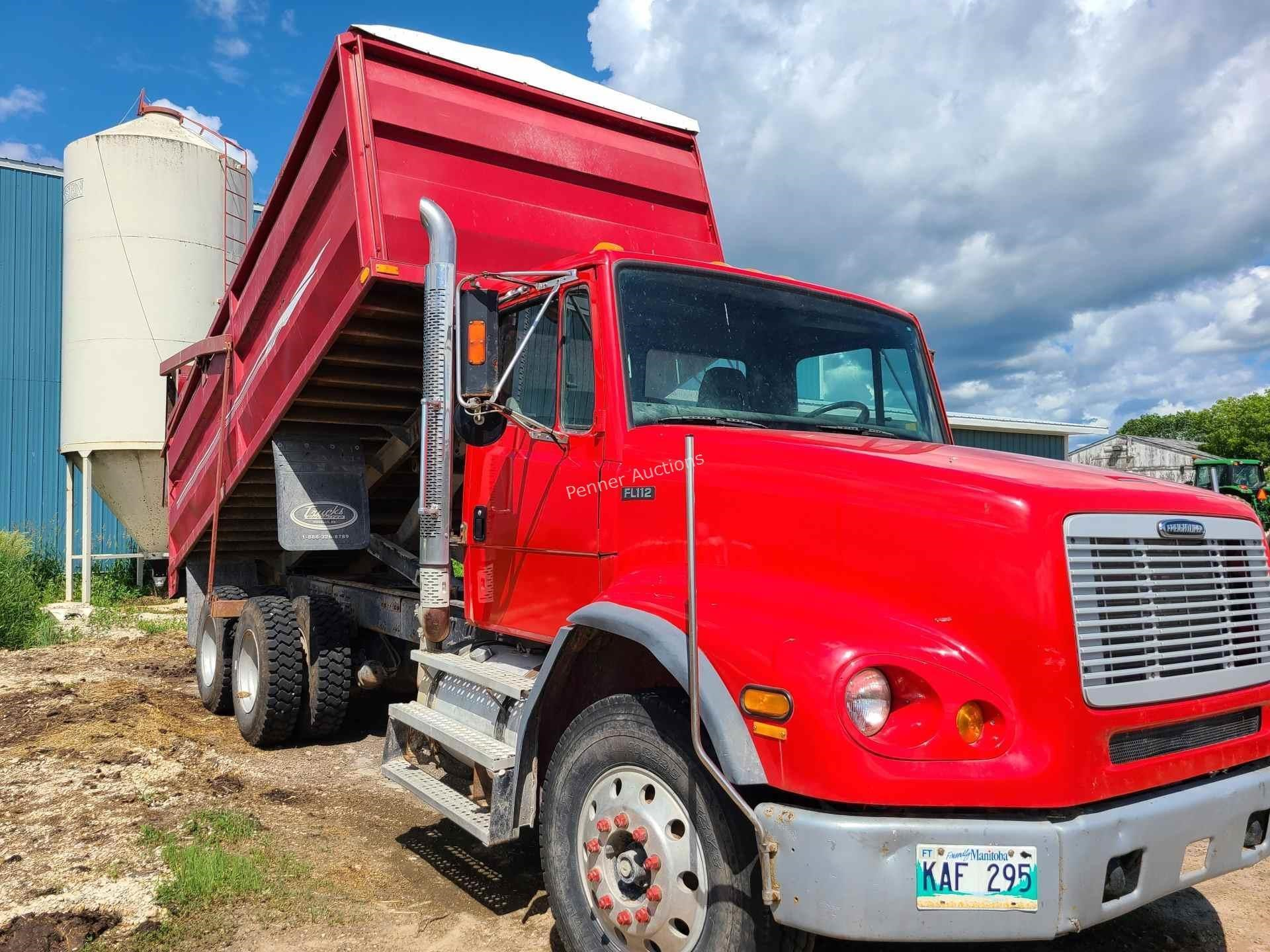 2002 Freightliner FL112 Grain Truck 19ft B&H