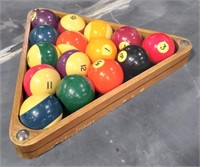 714 - RACK THEM UP POOL TABLE WITH POOL BALLS