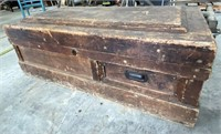 45 x 22 x 16 old carpenters box