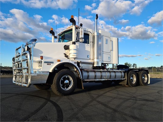 2010 Kenworth T658 - Trucks for Sale