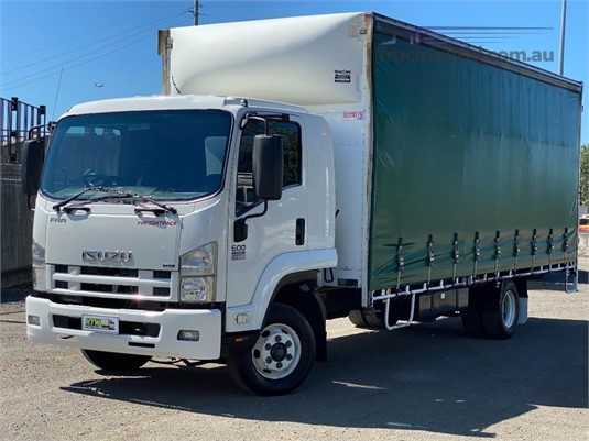 2008 Isuzu FRR 600 - Trucks for Sale
