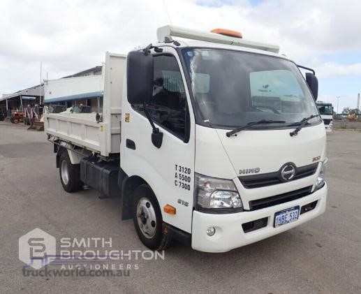 2013 Hino 300 Series 614 - Trucks for Sale