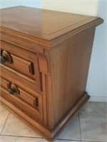 815 - 2-DRAWER ACCENT CABINET