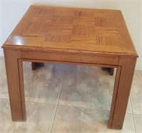815 - SQUARE WOOD ACCENT TABLE