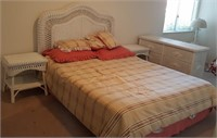 814 - WICKER DRESSER, END TABLE, BED, LINENS
