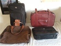 815 - LOT OF 4 TRAVEL BAGS