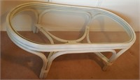 814 - OVAL GLAS TOP/BAMBOO TABLE