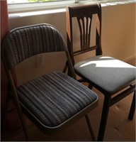 814 - FOLDING CHAIR & WOOD/UPHOLDTERED SEAT CHAIR
