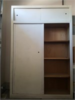 815 - 3-SHELF CABINET WITH STORAGE ABOVE