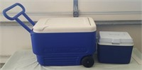 814 - PORTABLE & COOLER ON WHEELS