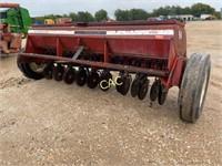 International 5100 Grain Drill