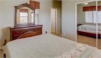 404 - LOVELY WOOD BEDROOM SET